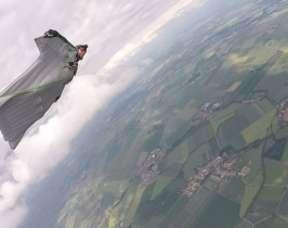 Zoran Milenkovi_ Wingsuit flying